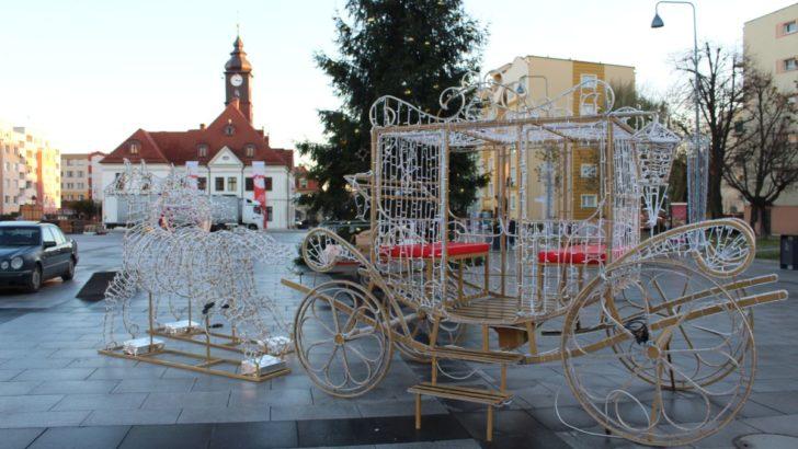 Jarmark, Mikołaj i szopka ze zwierzętami, czyli Lubin świątecznie