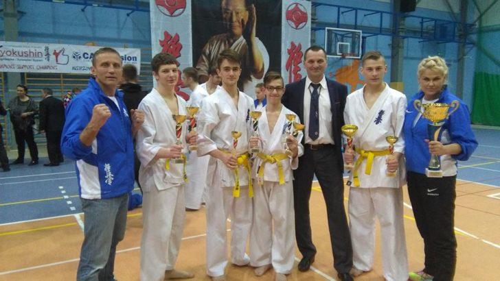 Mistrzowie Karate Olimpijskiego z lubińskiego klubu