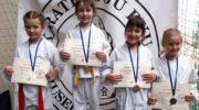 Dobry akcent wojowników karate goju ryu