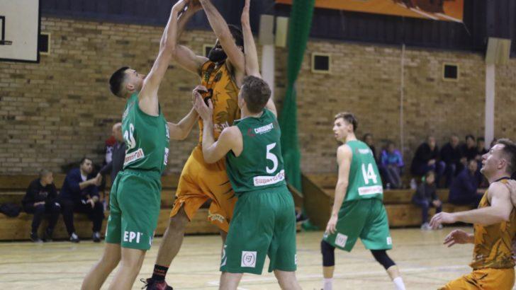 Koszykarskie derby trzeciej ligi dla SMK