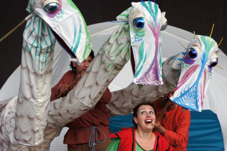 Teatry uliczne w rynku już w niedzielę