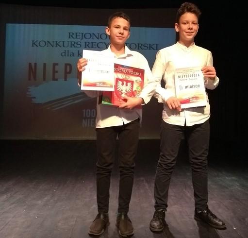 Młodzi sportowcy deklasują konkurencję w... recytowaniu