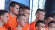 Miedziowi piłkarze i kibice wierzą w sukces przy Łazienkowskiej