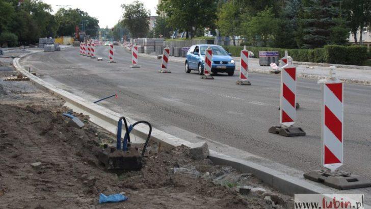Układają asfalt, mogą być utrudnienia w ruchu!