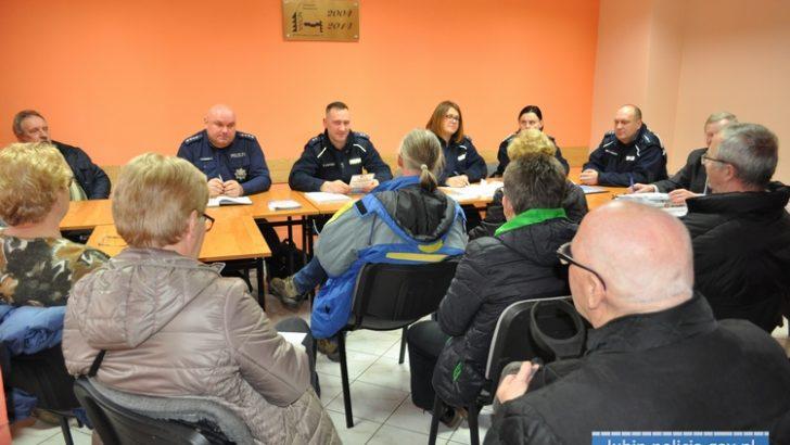 Policjanci spotkali się z mieszkańcami Przylesia