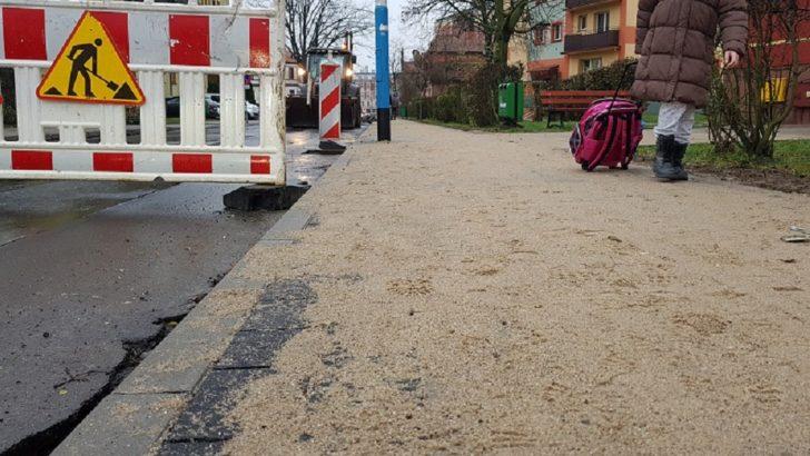 Nowe miejsca do parkowania i chodniki