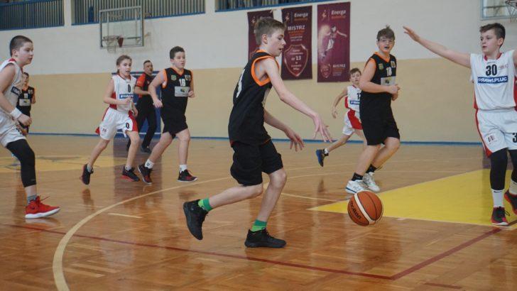 Ambitni młodzi koszykarze we wrocławckim turnieju