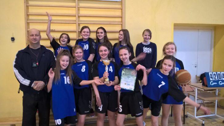 Powiatowe finały w koszykówce dziewcząt