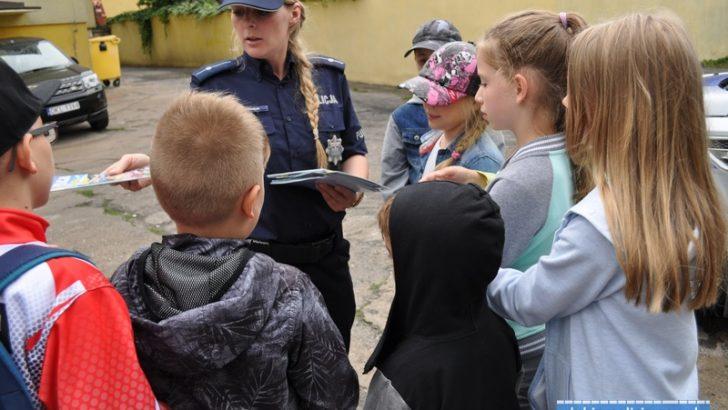 Wakacyjne spotkanie w lubińskiej komendzie