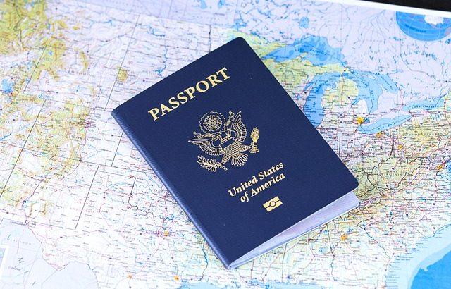 Cudzoziemcy coraz częściej pracują legalnie