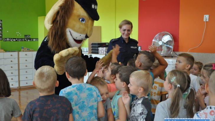 Komisarz Lew odwiedził przedszkolaków