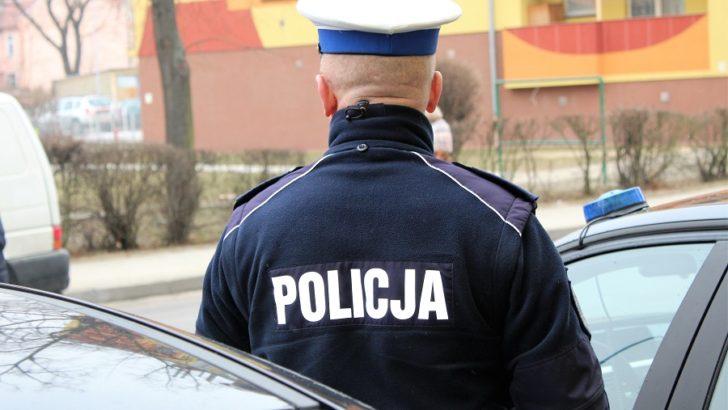 Drzwi otwarte w komendzie policji