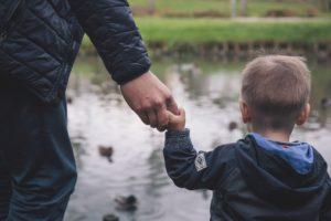 Ojców nie interesuje urlop rodzicielski