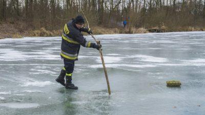 Pokrywa jest cienka – nie wchodź na lód