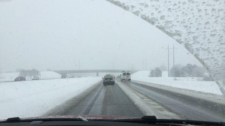 Policja pomaga przygotować się do jazdy zimą