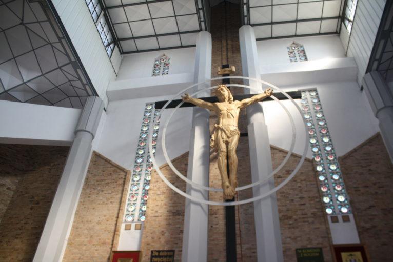 spotyka się z kimś z kościoła Chrystusa jak religia wyjaśnia datowanie węgla